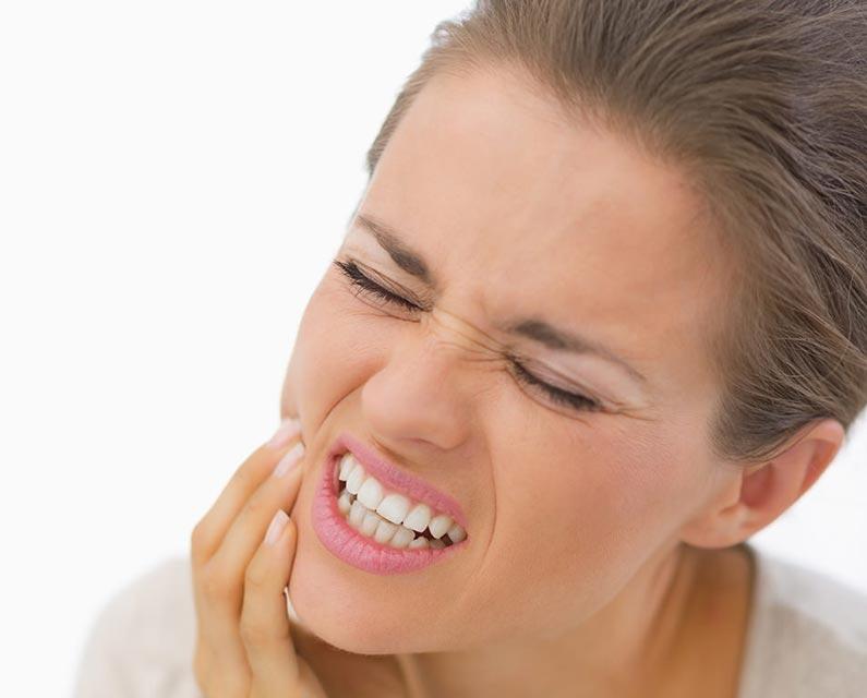 11 dintre cele intalnite cauze ale sensibilitatii dintilor